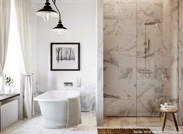 Łazienka zjasnego marmuru