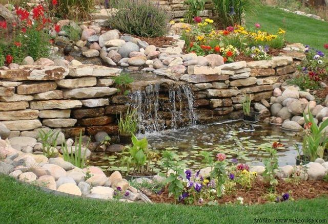 Kamienie dekoracyjne w ogrodzie for Decorazioni giardino aiuole