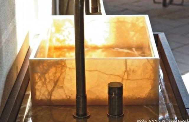 Czyszczenie-i-konserwacja-umywalek-z-kamienia-naturalnego.jpg