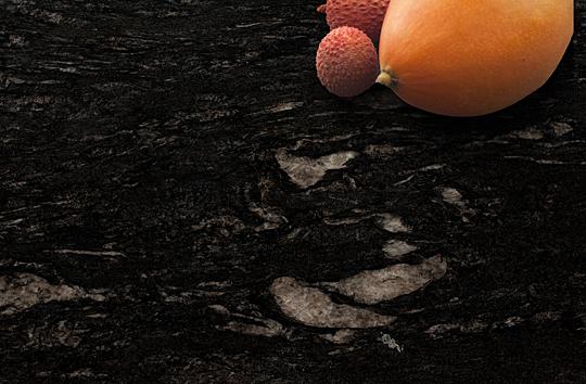 Cosmic Black - Granity i marmury do nowoczesnych wnętrz